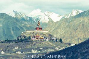 Maitreya Buddha, Diskit