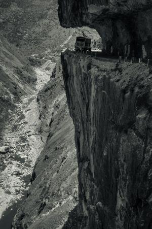 Sutlej Highway Overhang, Kinnaur